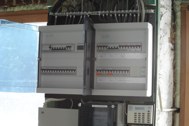 Elektriciteit | Werken in het huis, Werken rond het huis | La Moyemont: www.lamoyemont.be/blog/files/037d12dbcdfc8ea41945288fadc9cd0b-8.html